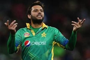 Shahid Afridi of Pakistan gives instructions out during the International T20 match against New Zealand.
