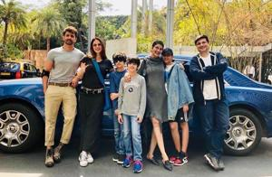 Hrithik Roshan with Sussanne Khan, Goldie Bahl, Sonali Bendre and their boys.