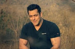 Salman Khan in a still from Notebook song Main Taare.