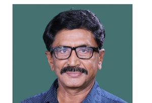 TDP's Murali Mohan recorded a thumping  victory over Boddu Venkataramana Chowdary of the YSRCP  in 2014, This time his daughter-in-law  Maganti Roopa is the TDP candidate  in Rajahmundry .