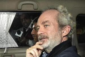 Justice Mukta Gupta issued notices to Michel and the Central Bureau of Investigation on the plea by the jail authorities who have contended that the trial court judge had erred in passing the order allowing Michel to make overseas call.