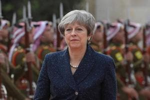 Theresa May urges parliament to back her on Brexit
