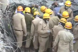 Karnataka Chief Minister HD Kumaraswamy visited the site on Thursday and told the media that several people were suspected to be trapped under the rubble.