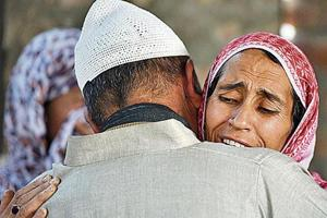 Mother of the minor boy found dead at the encounter site at Hajin in north Kashmir's Bandipora on March 22.