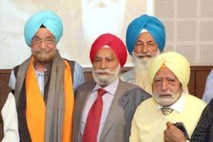 Former SAD MP Tarlochan Singh (Centre)in Amritsar on Monday.