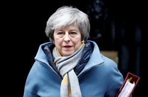 Theresa May needs to quit to resolve Brexit crisis, say aides