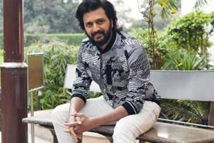 Riteish feels that children, when young, should be left to themselves.