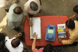 District Election Officers conduct an awareness programme about EVMs in in Kolkata, West Bengal.