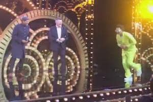 Ranveer wins HT India's Most Stylish Male award, mimics Kapil Dev on st...