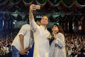 #puneinpixels: Rahul Gandhi heats up political battle in Pune