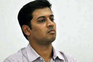 In Kalyan, Shinde plants a sapling before filing his polls nomination