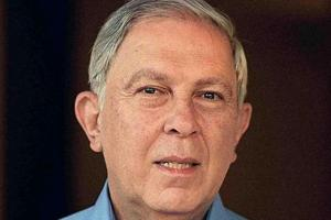Top UK fellowship for Yusuf Hamied, other Indian scientists