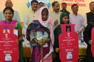 Centre may boost subsidy on refilling cooking gas under Ujjwala scheme