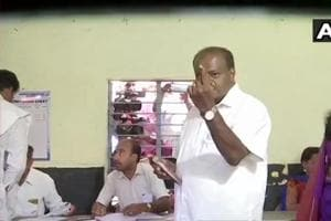 Lok Sabha Elections 2019:  Ex-PM Devegowda, other prominent personalities among early voters in Karnataka