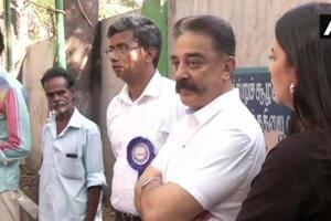 Lok Sabha Elections 2019, Polling Phase 2: Kamal Haasan votes after being made to wait over EVM glitch