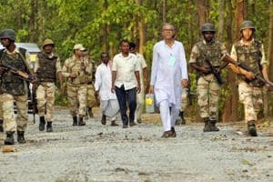 To avoid Maoists, poll staff with EVMs walk 15 km through Odisha forest