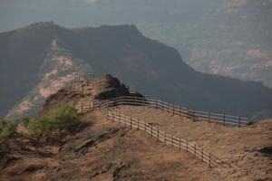 Lok Sabha polls 2019:Geete vs Tatkare promises to be a repeat of 2014 Raigad cliffhanger