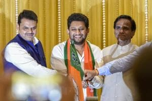 Lok Sabha elections 2019: Dynasts grab poll position in tricky races