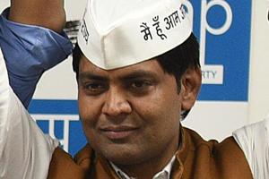 Lok Sabha elections 2019: AAP's Goyal to connect with voters through yoga sessions