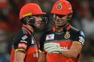 IPL 2019:Drama surrounding lost ball leaves ABDe Villiers in splits - Watch