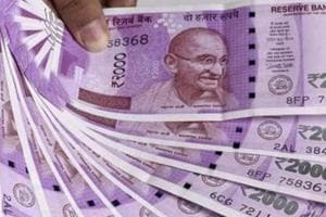 Five persons posing as Tata Motors' employees try to rob two of Rs 10 lakh in Pune