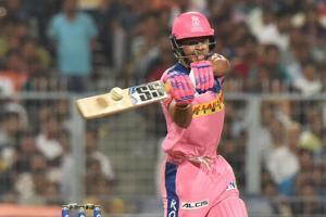 IPL 2019, KKR vs RR Turning Point - Sunil Narine drops Riyan Parag in the eight over