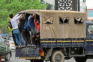 Delhi cops, truckers offer rides to stuck commuters
