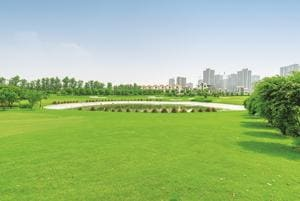 At Kalpataru's Noida project, Vista, there is an 18-hole professional golf course spread across 10 acres.