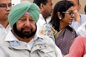 Amid face-off, Capt, Sidhu camp in Delhi to get audience