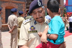 J-K cop, with son of slain colleague in arms, breaks down during farewell