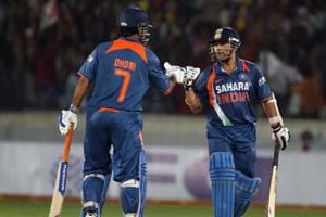 Dhoni 'did not show any positive intent,' says Sachin on Afghanistan knock