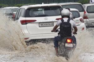 Fresh spell of rain floods major road arteries, triggers traffic jams in Gurugram