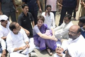 Congress protests against UP CM