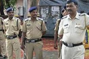 Mumbai cops suspended as video shows them harassing bar owner