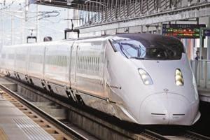 Japan bullet train runs with door open at 280 kph, 340 people on board