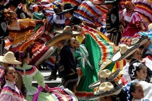 Photos: Mariachi dancers set world record for folk dance in Mexico