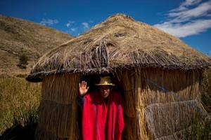 Photos: Lake Titicaca, once an Andean deity, faces pollution threat