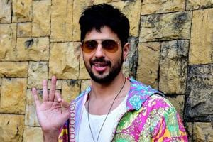 Sidharth Malhotra feels 'surreal' to graduate from a shared one-bedroom apartment to his new house