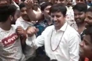 BJP MLA Akash Vijayvargiya grooves to Nayak Nahi Khalnayak, video goes viral- Watch
