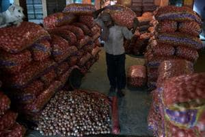 Amid soaring prices, onions worth Rs 8 lakh stolen from godown in Patna