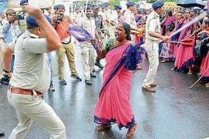 Jharkhand Oppn hits out at Raghubar Das govt over police action against striking aanganwadi workers