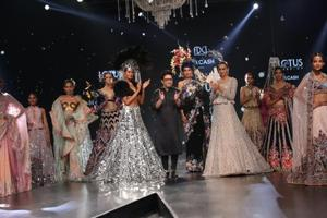 PHOTOS: Highlights from Day 2 of Lotus Make-up India Fashion Week SS'20