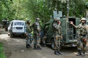 Militants kill truck driver, attack orchard owner in Kashmir's Shopian: Police