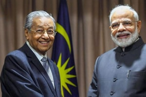 Malaysia PM Mahathir stands by criticism of India on Kashmir issue