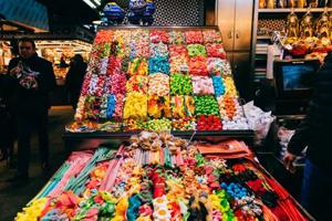 Hong Kong's candyman charms kids with toys made of candy