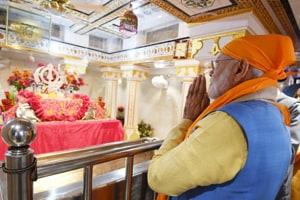PM Modi pays obeisance at historic Ber Sahib Gurdwara in Punjab's Sultanpur Lodhi before heading for Kartarpur