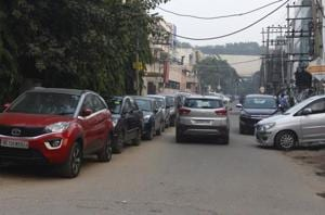 Space crunch, unwillingness to pay keep Udyog Vihar, Golf Course Road, MG Road congested