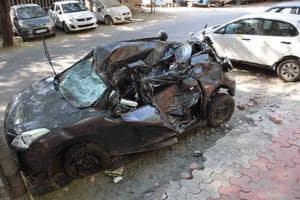 19-year-old swerves to avoid tree branch, dies in Okhla car crash