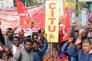 Centre of Trade Unions takes out long march against privatisation, retrenchment