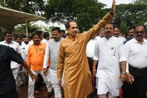 Shiv Sena may back citizenship bill, Uddhav Thackeray to take a call today